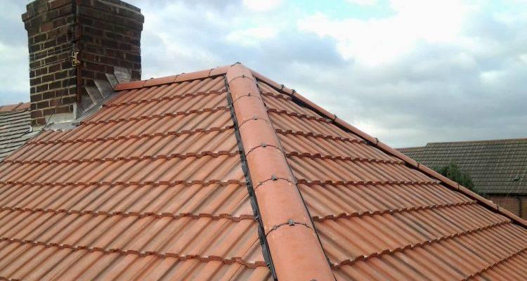 hiring a roofer 2