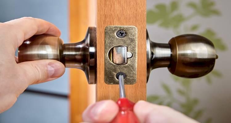 how to fit an interior door handle