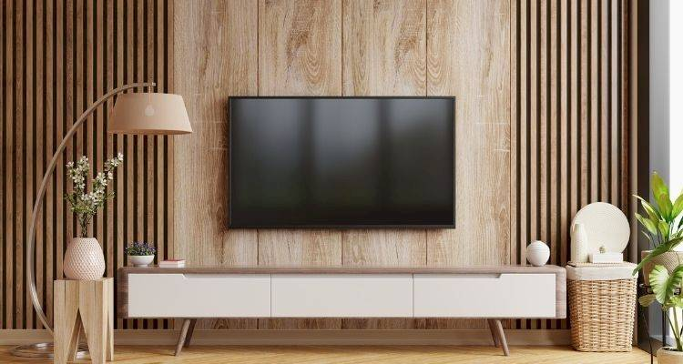 how to hang a tv on a wall