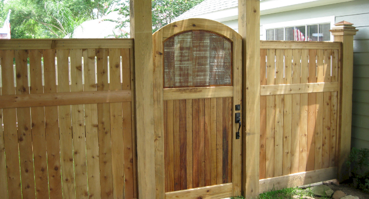 how to Fit and Install a Garden Gate