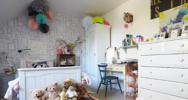 splash of colour in childs bedroom