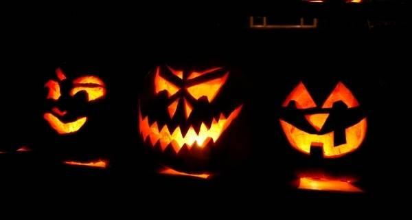 halloween pumpkins lit up