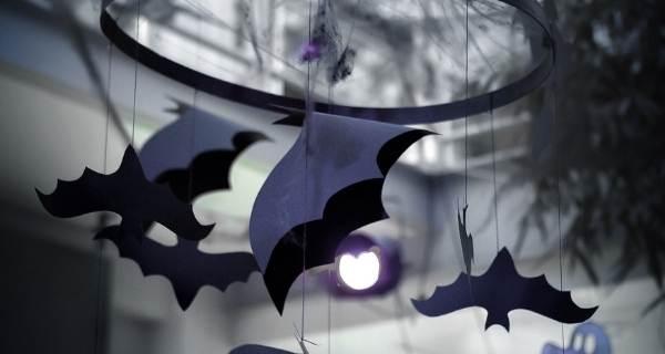 paper bats from lights