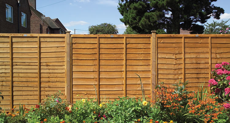 Average Cost of Replacing a Garden Fence - Cost Breakdown