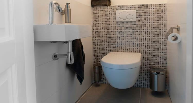 Installing a downstairs toilet cost - Cost to install toilet in bathroom ...